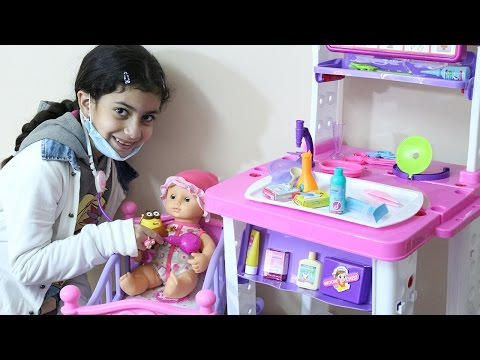 العاب | العاب بنات | لعبة طاولة الادوات الطبية  2 و الكشف على العروسة الطفل لعبة للبنات و الاولاد