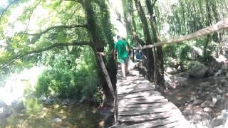 Da dove si fermano i fuoristrada del servizio Cascate di Bivongi a piedi fino alla Cascata del Marmarico durante il Marmarico Day del 28 luglio 2013