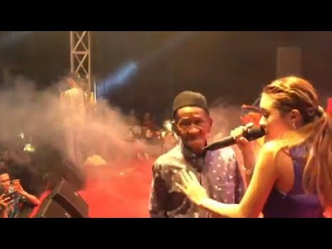 Baby Shima di kejar Kakek ketika nyanyi di panggung 😆