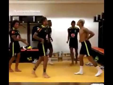 Neymar dance in Brazil dressing room ! with ( Marcelo, Dani Alves, Marquinhos ,Paulinho )