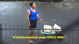 Mulher do Tamburete
