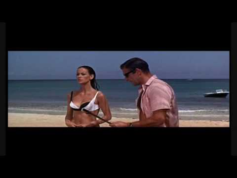 James BOND 007 Thunderball Underwater Battle. Sean Connery