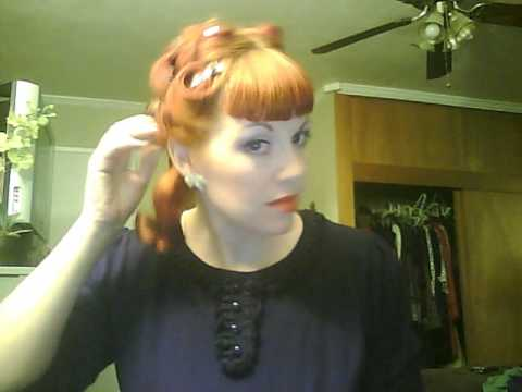 Vintage hairstyle: victory rolls & snood thumbnail