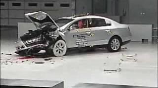 видео Краш тест VW Passat 2.0 TDI 2014. Пять звезд.