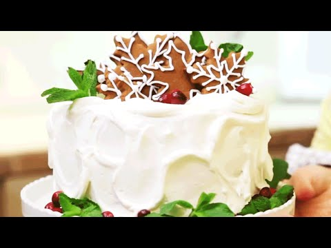 Christmas Cake Decorations | Southern Living