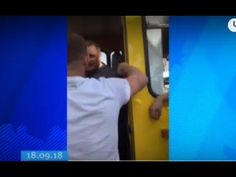 ТРК ВіККА: У Черкасах посеред дороги «почубилися» водії маршрутки й «Мерседесу»