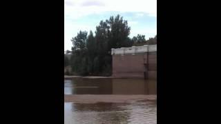 Rednecks falls off of dam.