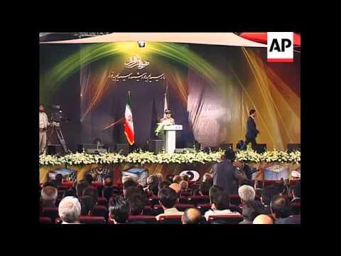 Ahmadinejad tours uranium facility, says open to US talks