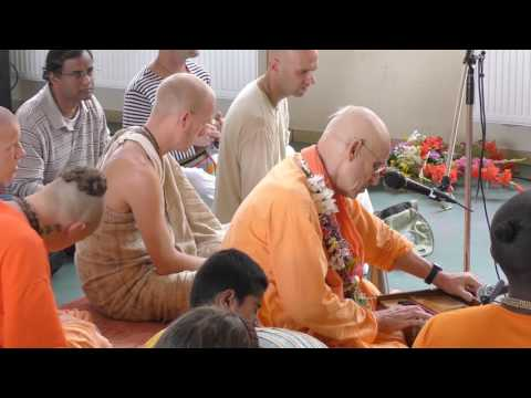 HH Kadamba Kanana Swami - kirtan 28.08.2016