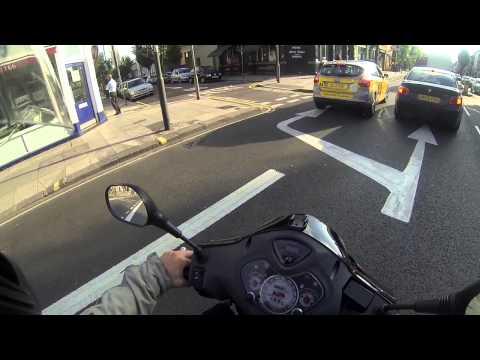 Shepherd Bush London, Goldhawk Road W12 - Honda Psi 125