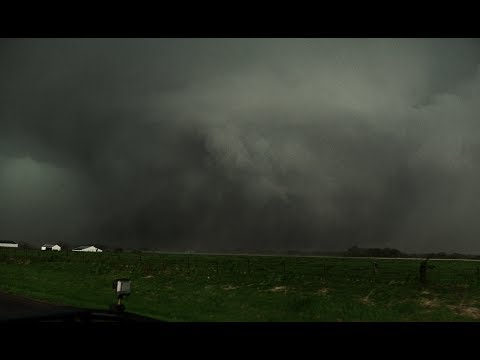 Monster Tornado touches down in Missouri!