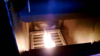 Котел BURNIT с пелетна горелка(Котел BURNIT. Котел оборудван с пелетна горелка и бункер за пелети.Котел на твърдо гориво BURNIT произведен от..., 2013-11-19T19:03:49.000Z)