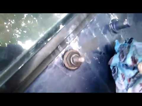 5 Detik Hilang , cara membersihkan bekas stiker di motor.
