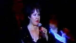 """Lolita Torres canta """"A mi manera"""""""