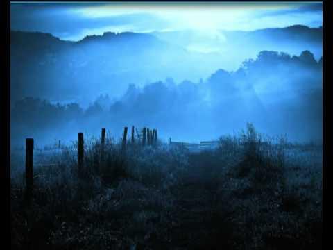 Kék a hajnal...