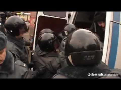 Russia protests: Arrests made in St Petersburg