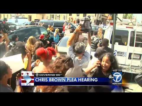 Chris Brown returns to D.C., looking for plea deal in assault case