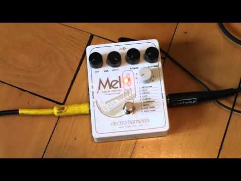 Electro Harmonix Mel9 Tape Replay compared to a vintage Mellotron by Gitarren Total
