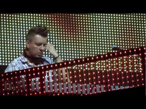 DJ Wout @ MNM back to the 90's  (WOUT IN THE MIX) (2012)