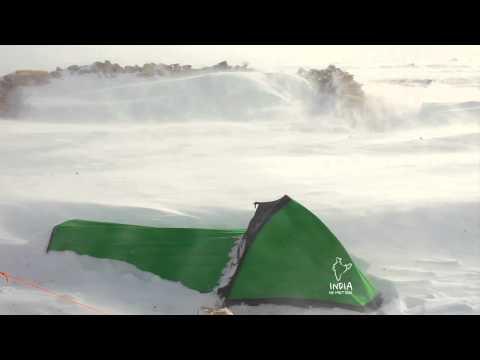Bibler and the Blizzard : Tripod bivy in the high winds at Tsomoriri Lake