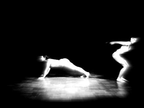 ManoManca – Moog Your Body