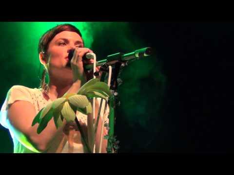 Mrs. Greenbird Live Berlin: Blitzkrieg Bob (Ramones Cover)