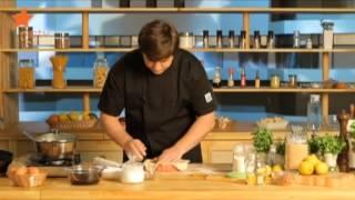 видео Финский рыбный пирог «Калакукко» (Kalakukko Finnish Fish Pie)