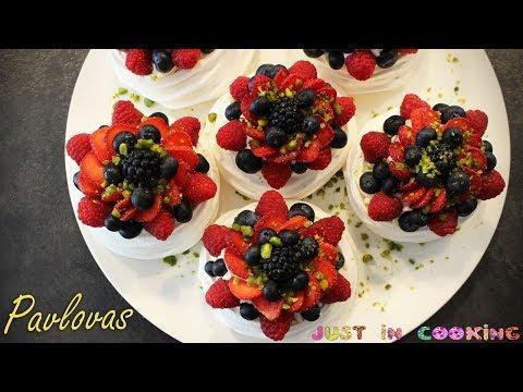 recette-de-pavlovas-aux-fruits-rouges