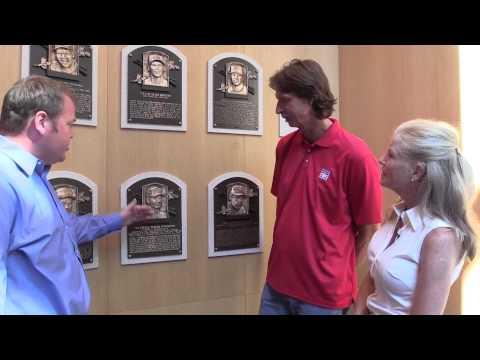 Randy Johnson meets National Baseball Hall of Fame sculptor Mindy Ellis