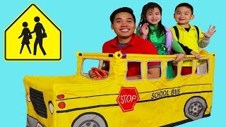 School Bus Tent Pretend Play with Jannie, Lyndon and Uncle