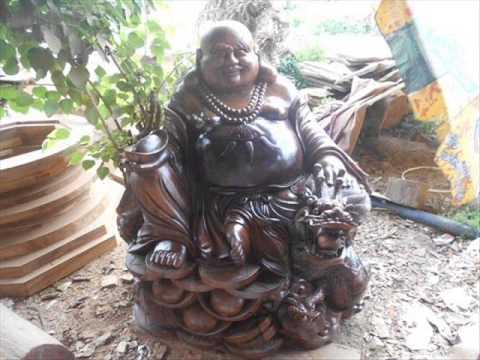 Tượng Phật Di Lặc Gỗ - Tây Nguyên