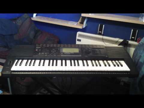 Yamaha PSR-520 Keyboard 25 Built in Demonstration Songs
