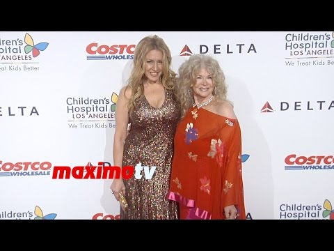 Joely Fisher & Connie Stevens | 2014 Noche De Niños Gala | Red Carpet