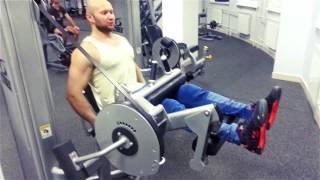 Сгибания ног сидя для тренировки бицепса бедра. Упражнение для задней поверхности бедер(Сгибания ног сидя для тренировки бицепса бедра. Упражнение для задней поверхности бедер Я могу стать дать..., 2015-04-22T14:23:44.000Z)