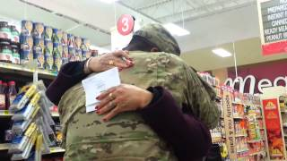 Soldier's grocery store surprise 2013