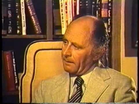 Prof. Antony C. Sutton DrSc.- Peníze koupí i toho největšího nepřítele CZ titulky