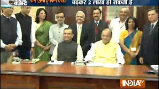 Union Budget 2015: Income Tax Exemption Limit to Be Raised - India TV