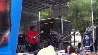 "Lurrie Bell & His Chicago Blues Band - ""The Sky is Crying"""