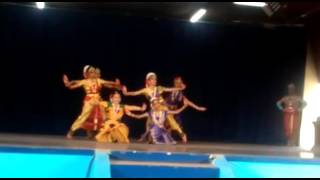 Asainthadum Mayil ondru - Mithila