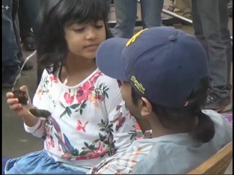 Pawan Kalyan Daughter Playing With Ramcharan In Gav Sets