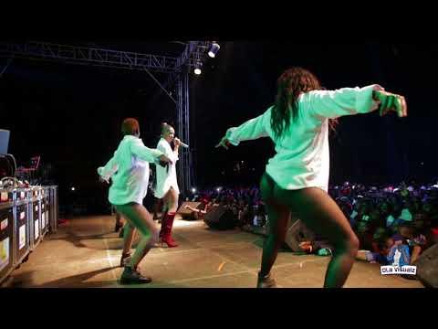 Cindy Sanyu NDI MUKODO Live performance - Zzina Beach Carnival 2017