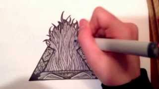 Black and white triangle drawing (time lapse)