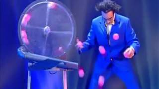 Crazy Juggler  Emile Carey - The world greatest Cabaret
