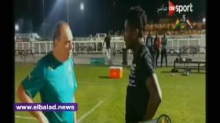 'أسامواه جيان' يساند نجوم غانا ويحضر المران قبل مواجهة الفراعنة.. فيديو