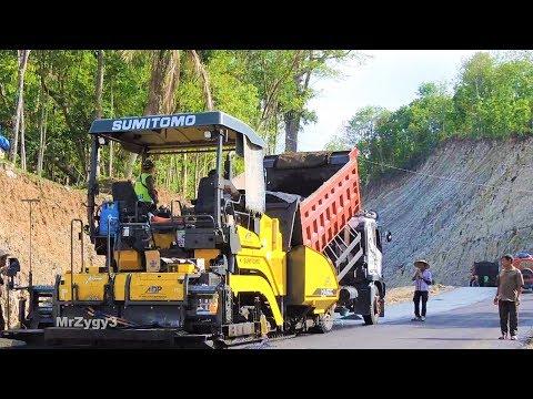 Asphalt Paving Road Construction Sumitomo HA60C Dump Truck Tandem Tire Roller