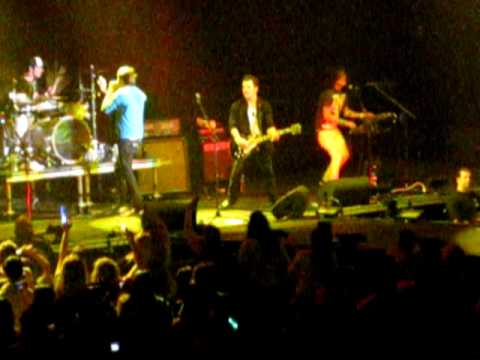 Faber Drive - Get Up And Dance (Live)