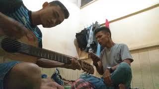 Ketika tali gitar putus kena mata....#rasa yang tertinggal