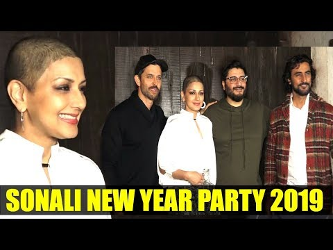 Sonali Bendre's NEW YEAR 2019 PARTY With Family and Friends | Hrithik Roshan, Kunal Kapoor