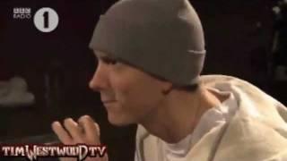 Gambar cover Eminem Smiling