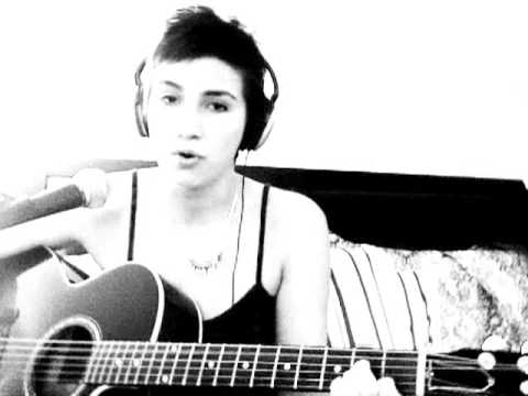 Lady GaGa - Bad Romance (Acoustic Cover)